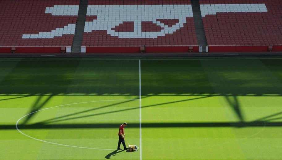 - Emirates-Stadium